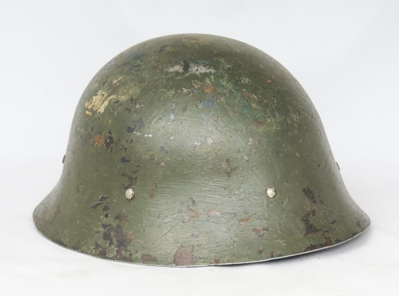 WW2 Swedish M26 steel helmet - finnish army paint